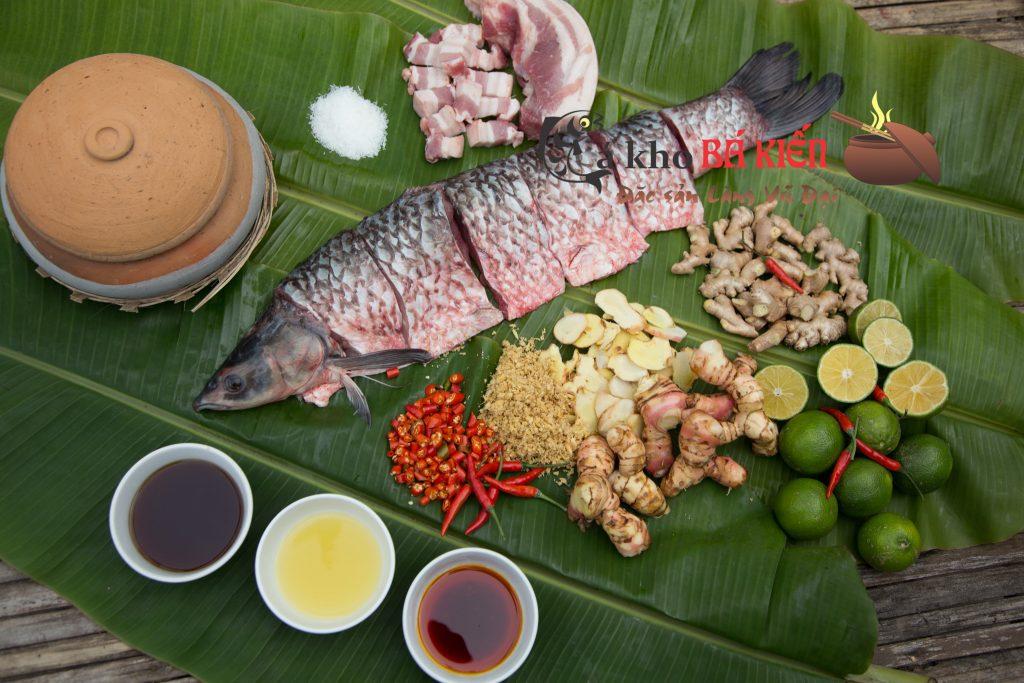 Cá trắm đen và 16 gia vị tại quê nhà đã làm nên hương vị rất đặc biệt của món cá kho làng Vũ Đại