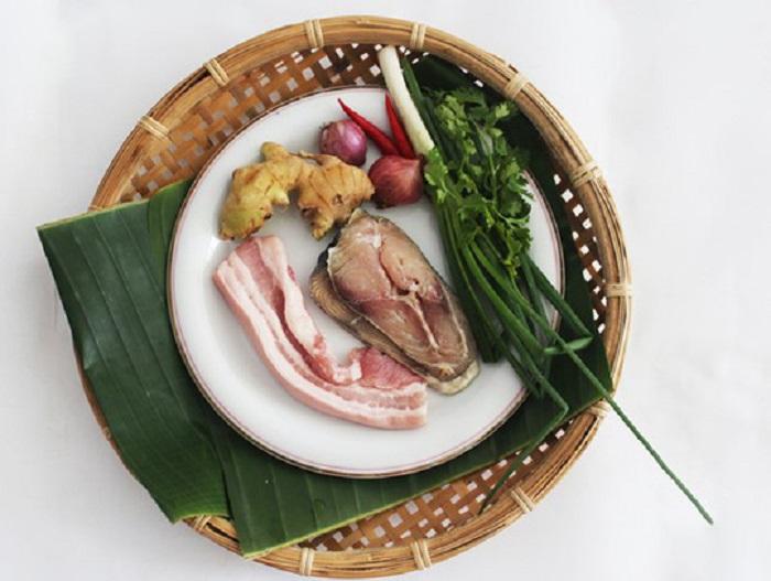 Nguyên liệu làm món cá thu một nắng kho thịt ba chỉ