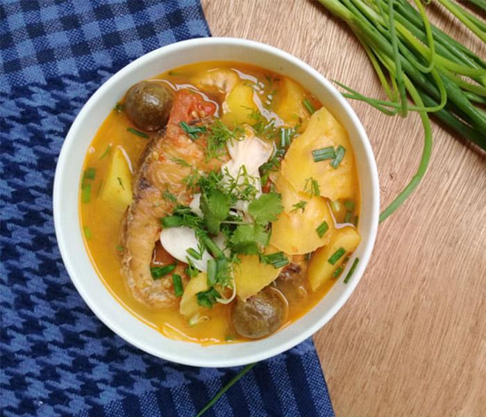 Canh chua cá bò - món ngon giài nhiệt vào mùa hè của các gia đình