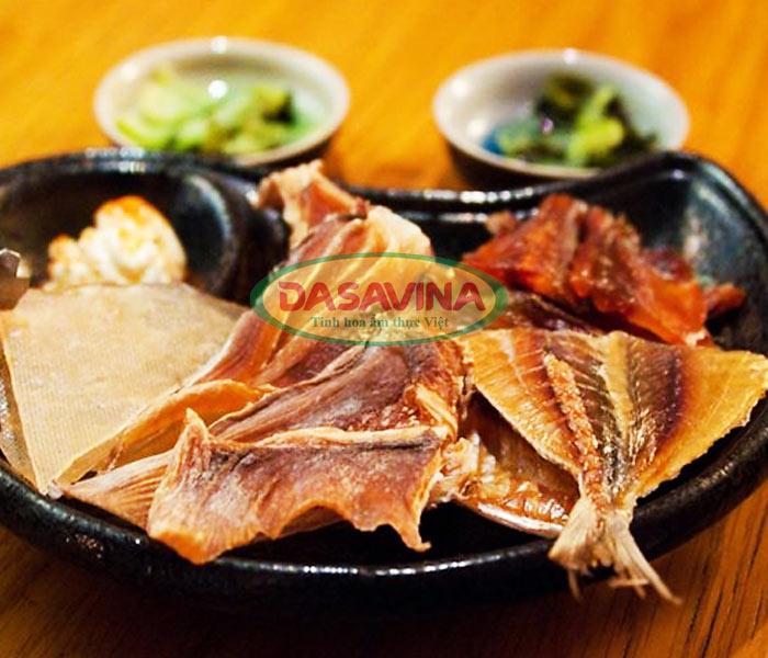 cá chỉ vàng khô mang đi chiên hoặc nướng trước khi rim me